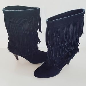 CHINESE LAUNDRY BLACK SUEDE FRINGE BOOTIES